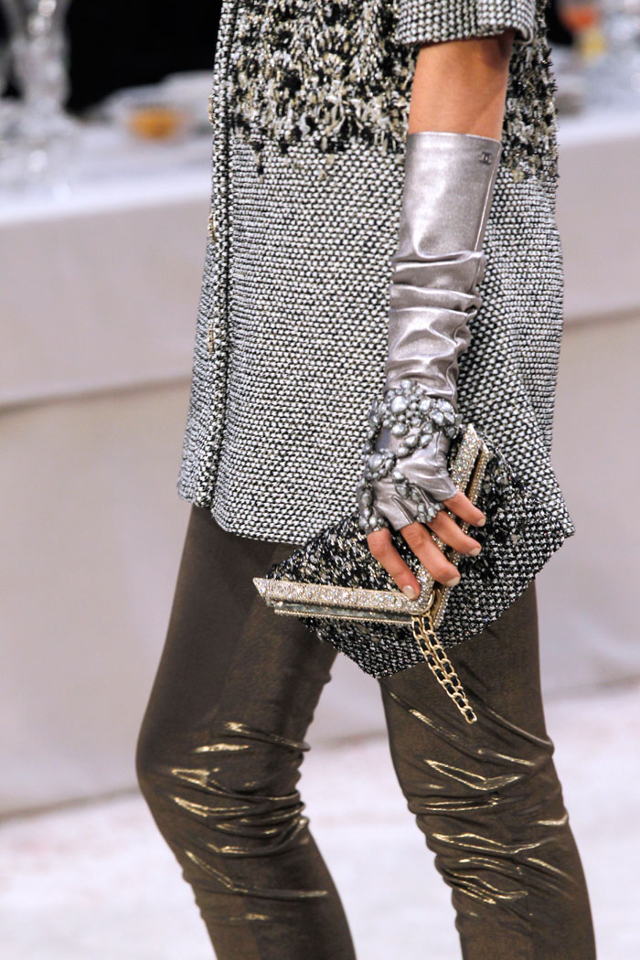 Many outfits featured a mix of textures and fabric.