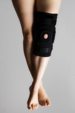 Research is limited on how effective a knee brace is for preventing knee ligament injuries.